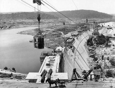 Cordeaux Dam being built