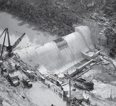 early construction photo of the Warragamba emergency scheme